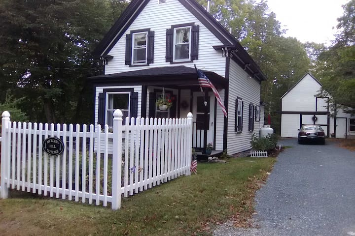 Charming Cottage ~4 Miles to Acadia National Park