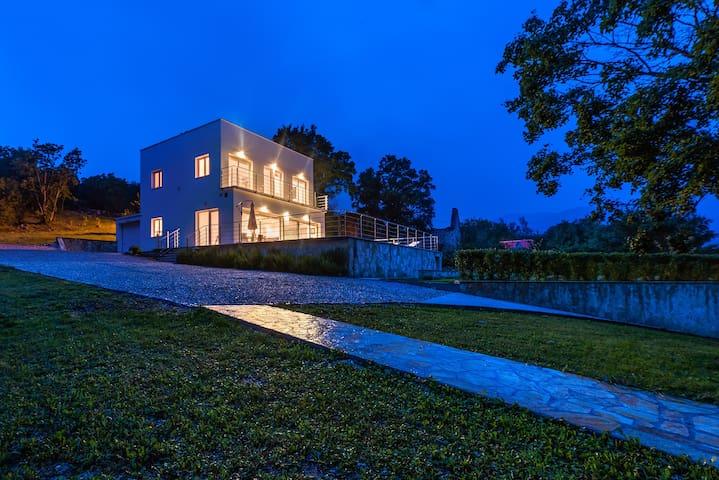Villa Dinara