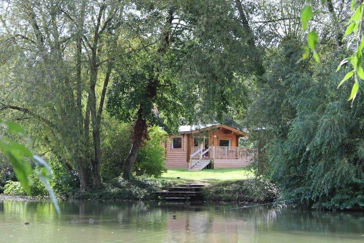 Lakeside Willow Lodge  - Viaduct Fishery