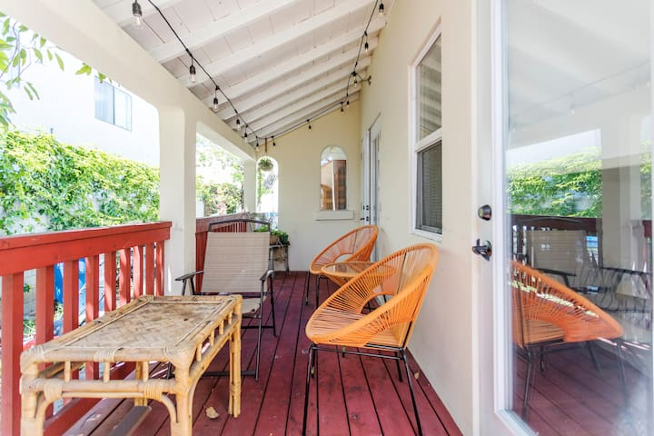 Classic LA Bungalow 3 bed in Trendy East Hollywood