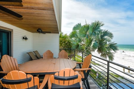 4 Bedroom/ 4 Bath Beach House-Directly on Beach!