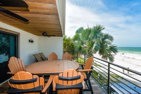 4 Bedroom/ 4 Bath Beach House-Directly on Beach!