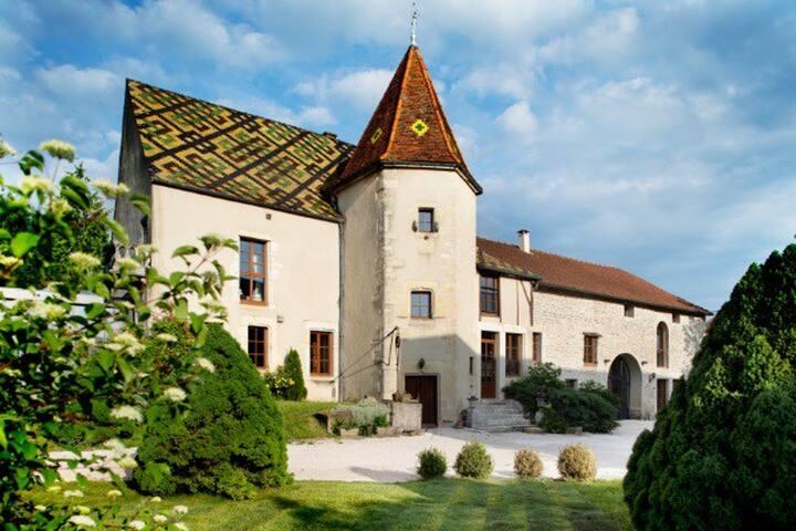 L'Hôte Antique 15 min au nord de Dijon