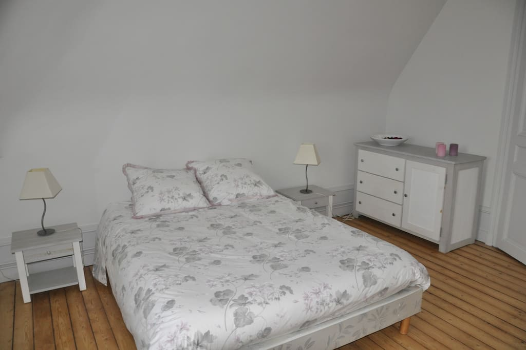 suite familiale dans demeure de charme guesthouses for rent in louviers normandie france. Black Bedroom Furniture Sets. Home Design Ideas