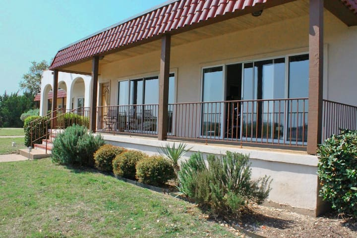 Seawind Garden Homes - 415 Seawind Street - Lakeway - Ház