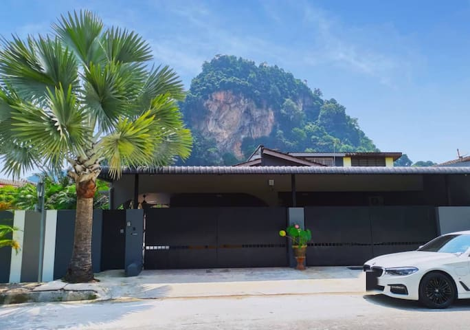 Tambun Pool Villa