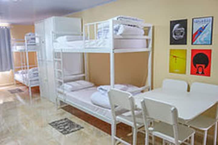 Hostel em Curitiba - diárias a partir R$ 49,99