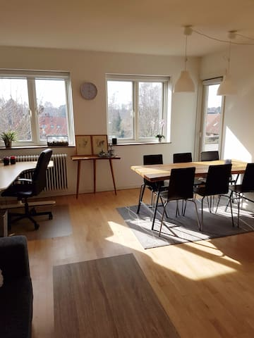 Lovely apartment with balcony - Herlev - Apartamento