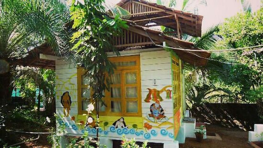 Nice hut with sea view balcony - Morjim, Goa, IN - Bed & Breakfast