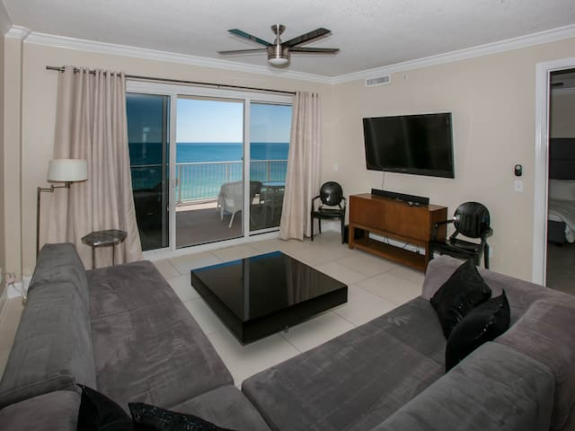Regency Isle, Beach Front Condo,Huge Balcony
