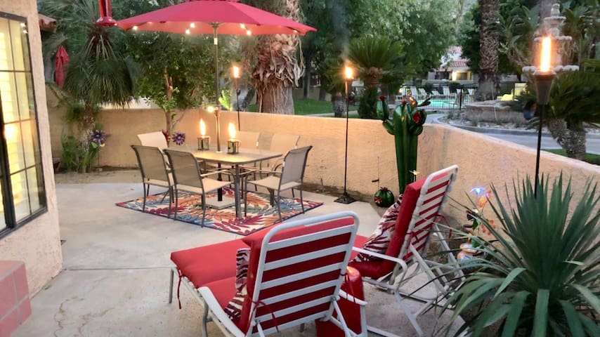 Available:Palm Springs:Oasis Resort Condo