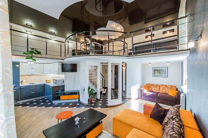 Интересная двухуровневая квартира, ул.Михайловская
