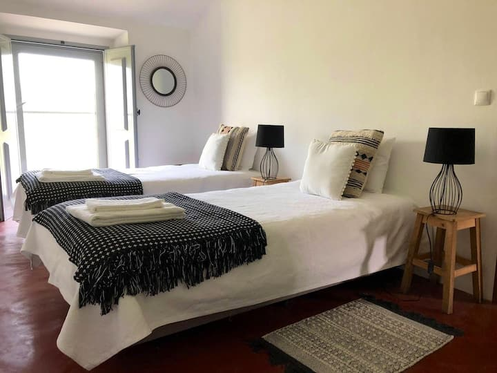 Hotel Rural Oliveirinha Country House Black