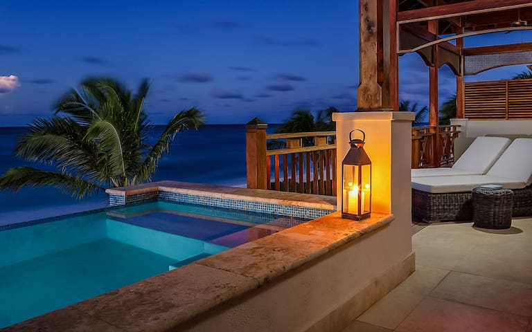 Zemi Beach House - 3 Bedroom Villa Suite