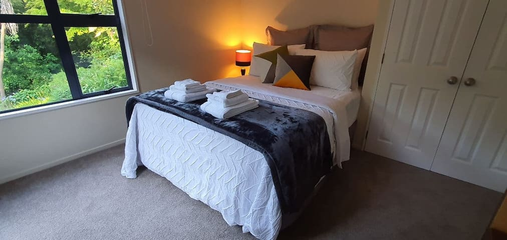 Private stunning room, comfortable, cosy and warm