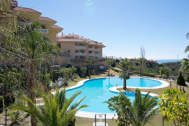 Higuerón Sunny  & Nice Apartment