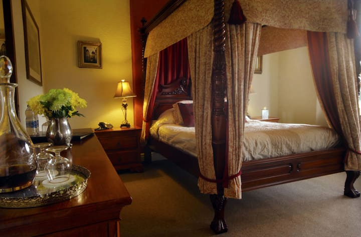 Meadowsweet Hotel - room #3