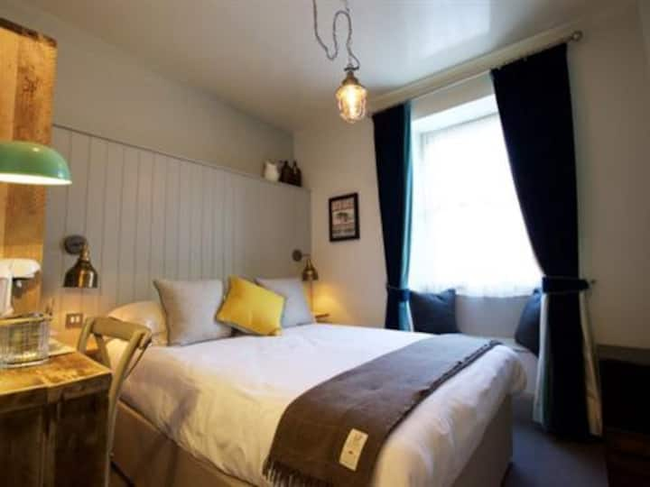 Double room standard at Woodstock Arms
