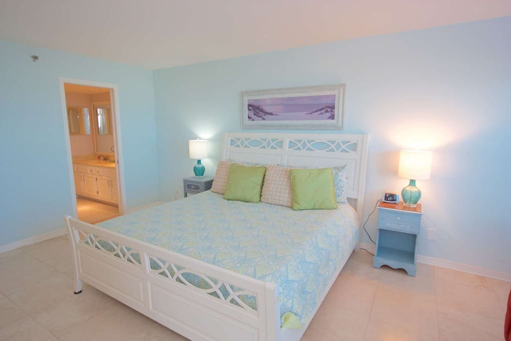 Relax and Enjoy this beautiful Master Bedroom with Flat Screen TV, King Bed, Master Bathroom and Private Patio Entrance. What a view to wake up to!