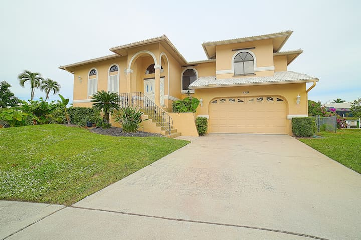 Marco Island, Florida Waterfront Home, 4 bedrooms