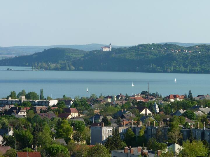 Charming apartment with Balaton and Tihany view