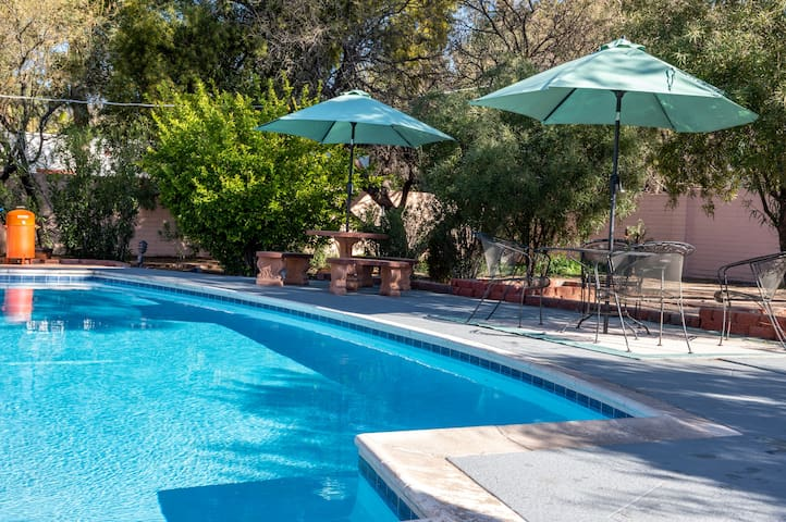 Lovely House in Sam Hughes with Private Pool!