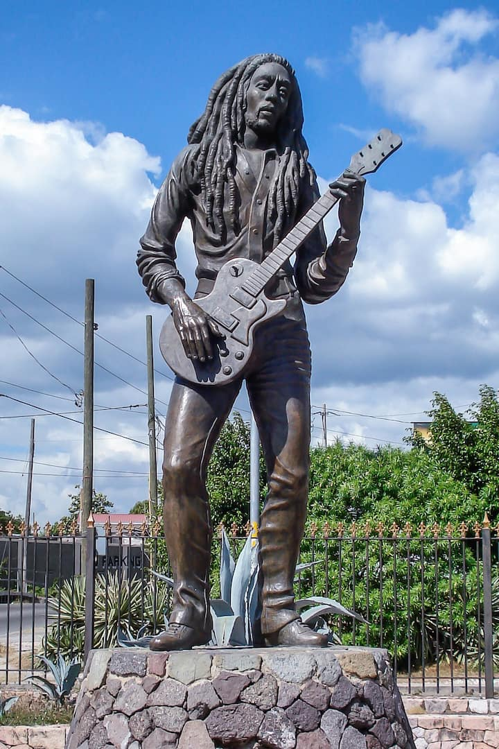 Take pics with Bob Marley.