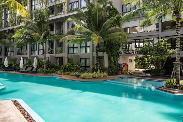 Diamond Resort Bangtao, playground, gym and pool