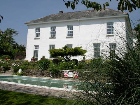 Fowey apartment, The Old Rectory, Lanreath by Looe