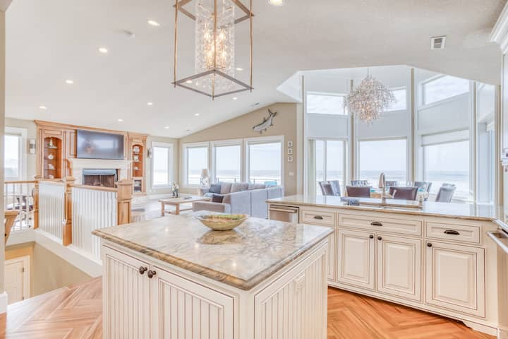 Luxurious Oceanfront Home w/ Private Beach Access, Hot Tub, Sauna and MORE!