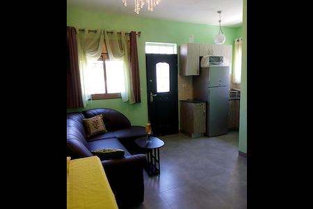 Двухкомнатная квартира в частном доме - Neve Michael - Pis