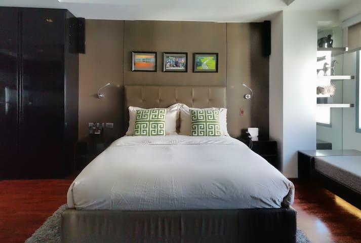 Luxurious Greenbelt Studio in Makati - Makati - Apartemen