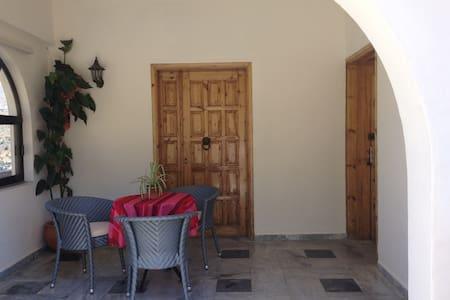 Koumans Residence - South of Crete-TRIOPETRA
