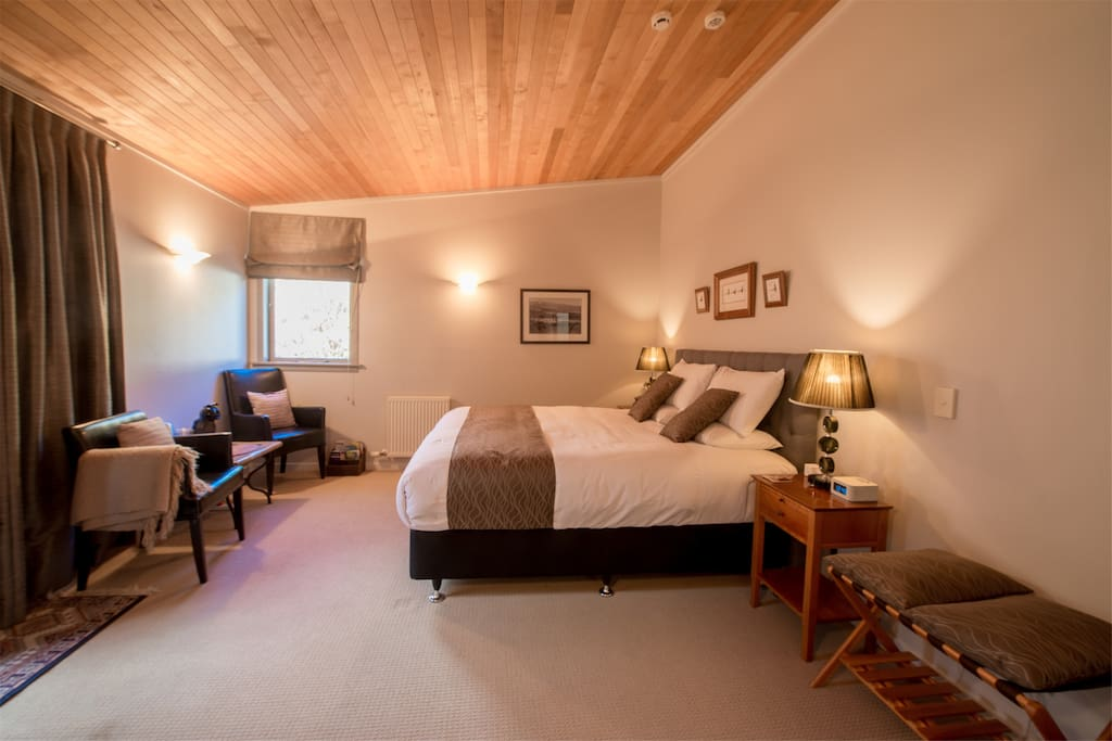 This is a 1 bedroom Suite- option to get an upgrade upon availability