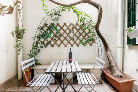 Accogliente appartamento romano con patio privato dallo stile moderno