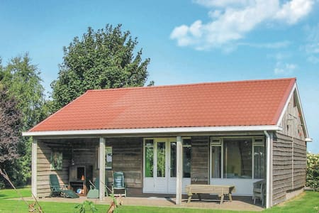 Holiday cottage with 2 bedrooms on 65m² in Roswinkel