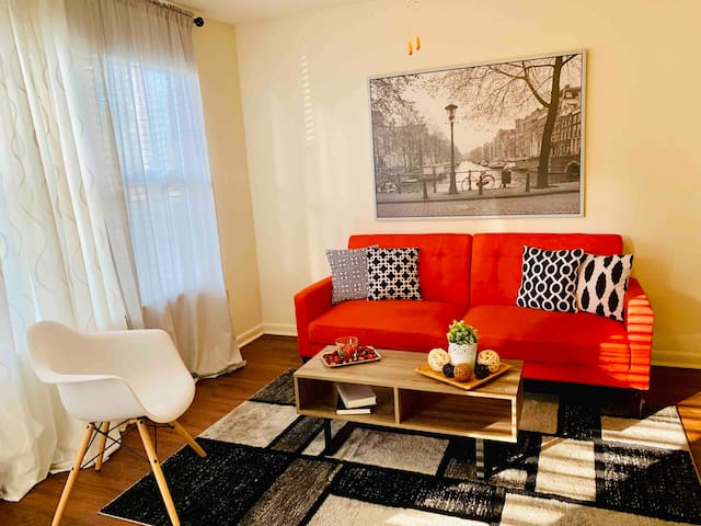 Private cozy apartment mins from OCCC & all parks!
