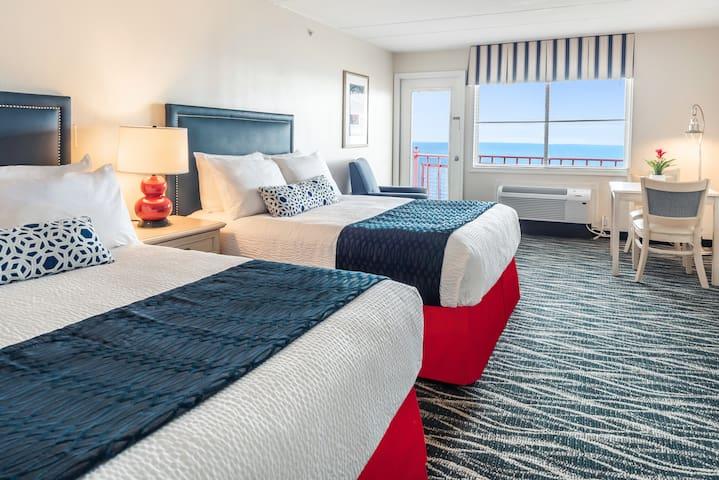 2-Queen Oceanfront Efficiency with private balcony