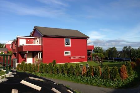 Spacious Family Townhouse in quiet surroundings - Bergen - Huoneisto