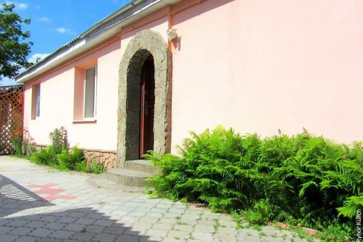 Центральная 186 - Brest - House