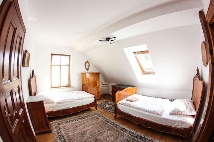 Dwór Gogolewo-Apartament Dwupokojowy Czterosobowy