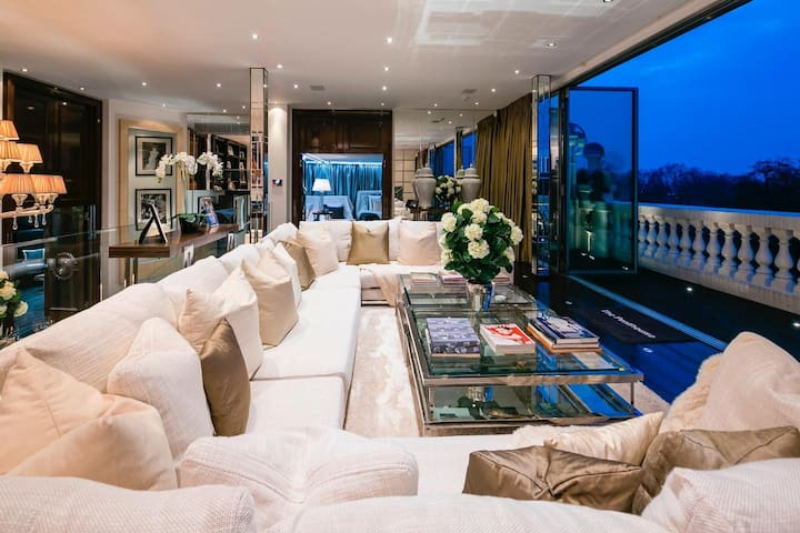Incredible Luxury House in the heart of London