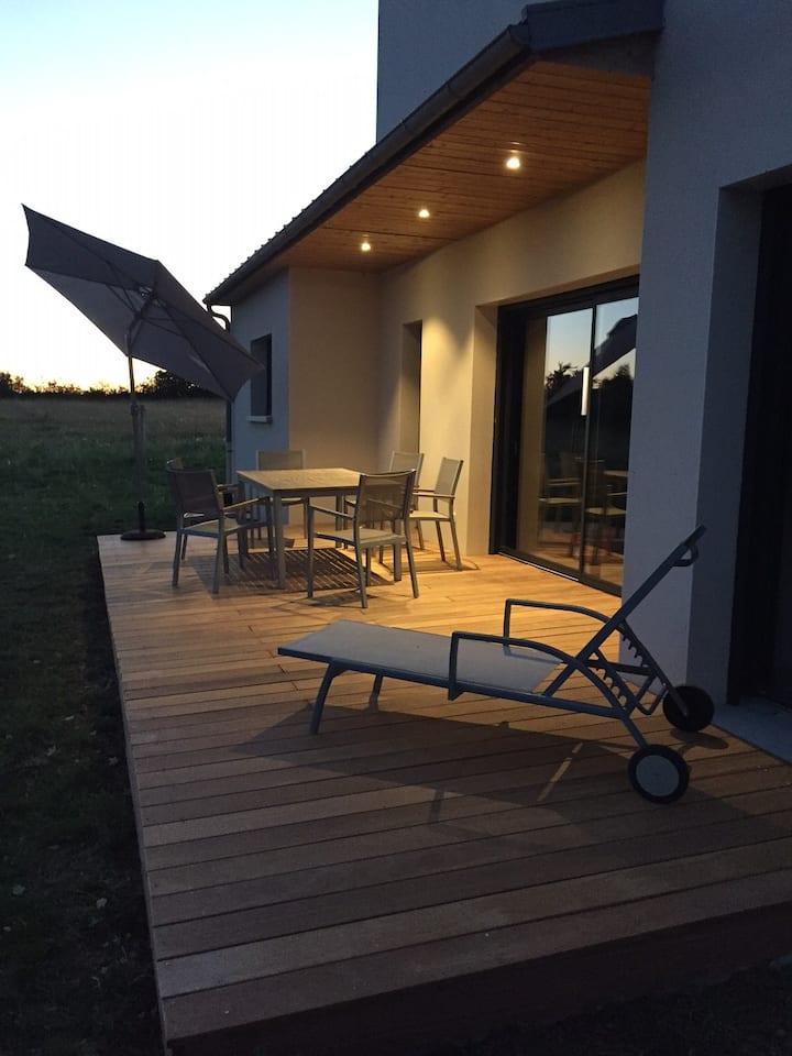 Maison neuve proche Rodez Spa en été