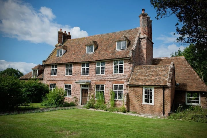 Exquisite seven bedroom farmhouse surrounded by stunning land - Moat Farm House