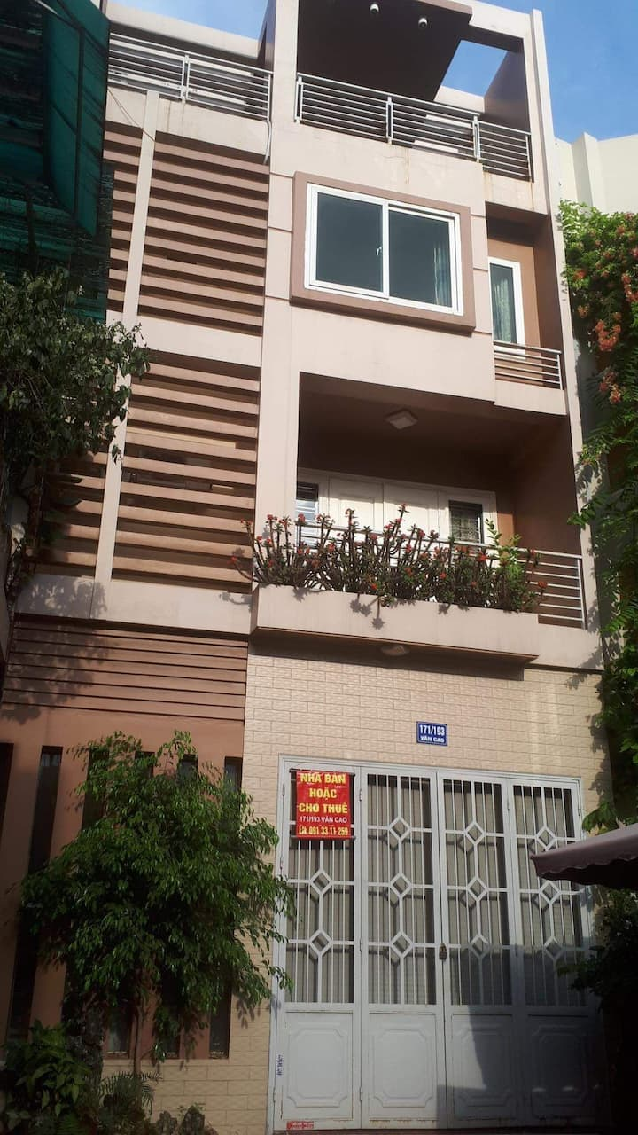 VAN CAO2- Private Room in Spacious Luxury House