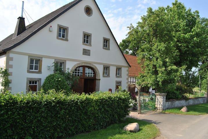 Idyllischer ländlich gelegener Hof - Melle - Haus