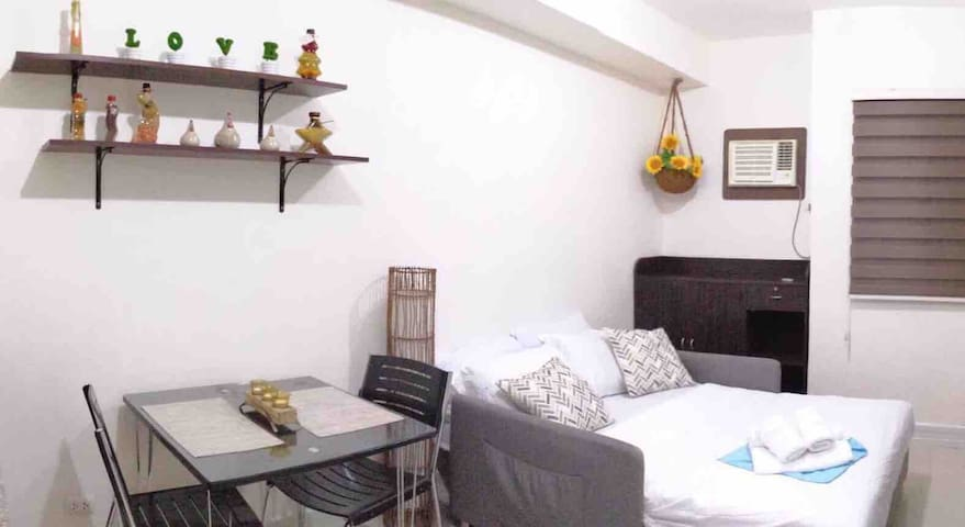 Cozy Studio-May's Place  near IT Park & Ayala