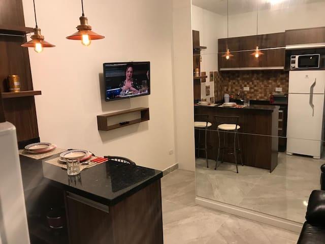 Studio Luxuoso Completo no Centro de Curitiba