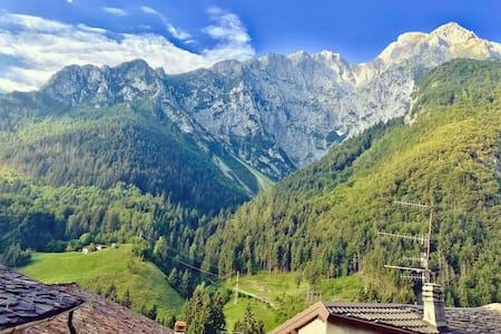Vista spettacolare in appartamento di montagna