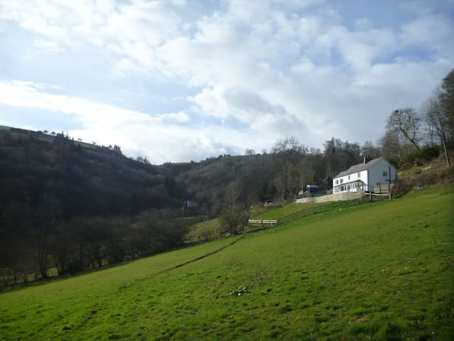 Ffynnon Deg, cottage with amazing views. - Llwynmawr - House